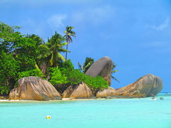 Anse Source d'Argent, La Digue (twiga_swala) Tags: ocean sea beach silver island islands spring scenery rocks indian scenic ile insel boulders granite tropical seychelles plage source rochers digue ladigue seychellen granit anse dargent tropicale torpical tropische bouldes