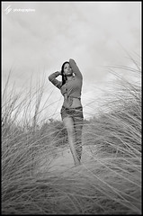 Marine (lg-photographies) Tags: portrait blackandwhite girl fashion marine noiretblanc portraiture mode fille plage mtis