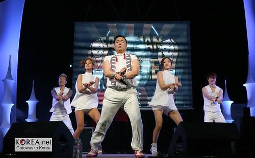 PSY_GangnamStyle_Incheon_11logo