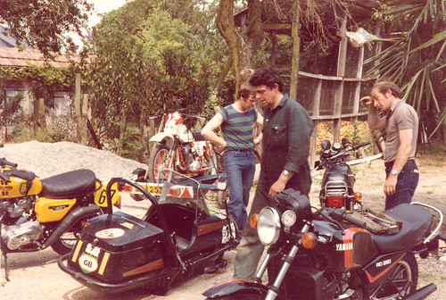 team tiger police competition ktm trail triumph motorcycle yamaha 1981 british squire winners bonneville pyrenees rallye sidecar reynolds beaumont gaut t140e tr7t