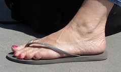 Candid Beach (Rayray150) Tags: feet toes soles