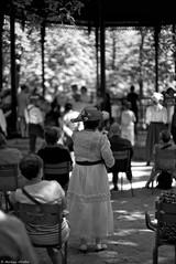 Le bal (Mathieu HENON) Tags: leica noctilux 50mm blackwhite paris france bal parc jardin du luxembourg