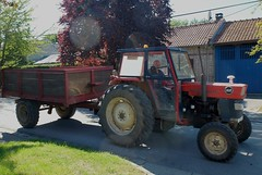 MASSEY-FERGUSON 168 et remorque (xavnco2) Tags: remiencourt somme picardie france tracteur agricole farm tractor trattore agricolo masseyferguson 168 rouge red remorque trailer farming agricoltura agriculture