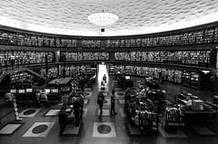 25/52 Stockholm public library (eric_marchand_35) Tags: stockholmpubliclibrary stockhom library bibliothque sude sweden books livres nb bw stockholmsstadsbibliotek