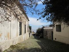 """Colonia del Sacramento: le quartier historique et ses anciens pavés de pierre de schiste <a style=""""margin-left:10px; font-size:0.8em;"""" href=""""http://www.flickr.com/photos/127723101@N04/29669947166/"""" target=""""_blank"""">@flickr</a>"""
