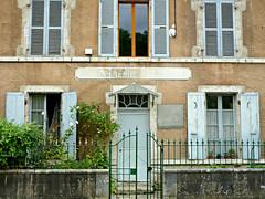 P1060633 (72grande) Tags: loiret chtillonsurloire gendarmerie d951