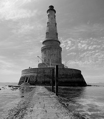 Phare de cordouan (sylvie.rochas) Tags: ocean sea mer lighthouse clouds phare ocan cordouan pharedecordouan pharesmondemnm