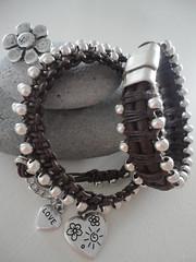 ...L ve (Jardim de Vidro) Tags: love metal colar pulseira iman fecho