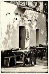 The smile bar (steff808) Tags: street blackandwhite bw france blancoynegro calle nikon noiretblanc corse corsica francia biancoenero corcega zoza nikond90 nikon1685