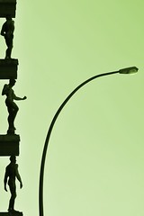 Positionslampe (Scilla sinensis) Tags: men brick silhouette architecture hamburg brahms skulpturen bogenlampe