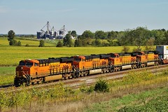 Orange x 4 (Lights in my hometown) Tags: railroad train farm country elevator grain engine missouri locomotive bins bnsf westbound baring intermodal 4192 4091 6706 7898 knoxcounty transcon marcelinesubdivision