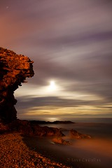 Luna en Villajoyosa (89º EXPLORE - 01 - 10 - 2012) # 26 (Jose Casielles) Tags: color luz mar playa luna cielo cala yecla efecto villajoyosa fotografíasjosecasielles