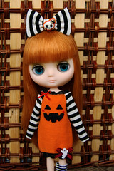 * ( knitmad ) Tags: halloween set skull outfit doll handmade stripes ghost bow jersey blythe middie knitmad
