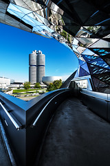 Contrasts (fresch-energy) Tags: auto building cars glass lines car architecture munich mnchen bayern sony bmw architektur autos gebude glas hourglass a77 bmwmuseum niceweather linien schneswetter sanduhr bmwwelt bmwtower bayerischemotorenwerke