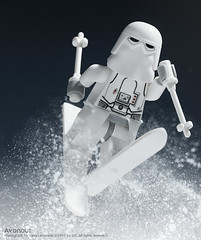 The Cover (Avanaut) Tags: lego starwars smallscenesfromabiggalaxy dkpublishing dkchildren originality minifigure snowtrooper snow toy toyphotography hoth ski