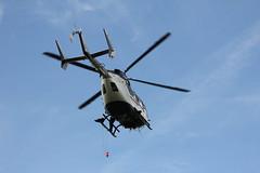 Rettungshubschrauber am Pferdskopf / Wasserkuppe 160814_119 (jimcnb) Tags: 2016 august wasserkuppe rhn hessen hubschrauber polizei helicopter dhheb