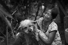 Beautiful old vietnamese woman (leonardrodriguez) Tags: vietnam people visage portrait vietnamese vietnamien vietnamienne vietnamiens vietnamiti vietnamita bw black white nb noir blanc blackwhite noirblanc asie asia dog chien cane mekong old oldwoman