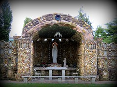 Providence Home Geode Grotto #9 (jimsawthat) Tags: smalltown jasper indiana grotto geodes religous