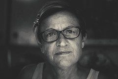 Woman Portrait (full screen view recommended) (armandocapochiani) Tags: armandocapochiani woman portrait beauty bianconero bn blackwhite bw primopiano italy italian indoor apulia wrinkles old