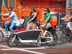 Utrecht, Nederlandse Fietscultuur (Nik Morris (van Leiden)) Tags: bike bicycle fiets fietsen utrecht mamafiets cargobike urbanarrow olympusstylus1