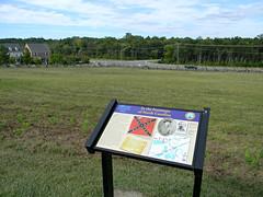 Bristoe Station Battlefield Heritage Park (Photo Squirrel) Tags: bristoestationbattlefieldheritagepark fenceline civilwar bristowvirginia house road