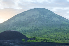 20. Cerro Negro we are back, Nicaragua-2.jpg (gaillard.galopere) Tags: 2016 5d 5dmkiii apn america amrique canon compositionettypedephoto continentsetpays couleur ef eos extrieur mkiii ni nic nicaragua travel volcan ameriquecentrale anne ash black canonphotography cendres cerronegro color colorful negro noir obscur out outside volcanes volcano