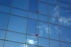 Barcelone (damzed) Tags: architecture bleu espagne bâtiment façade barcelone verre vitre pentaxk10d pentaxda1645 damzed