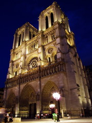 Notre Dame (gengish) Tags: old city trip travel vacation paris france art tourism church night europa europe tour arte monumento gothic notredame chiesa francia nuit iledefrance middleages notte architettura cathedrale medioevo parigi gotico parisien gengish