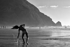 Castelejo, Vila do Bispo, Break Dance (Antnio Alfarroba) Tags: praia beach water gua hair movement movimento algarve cabelo castelejo viladobispo