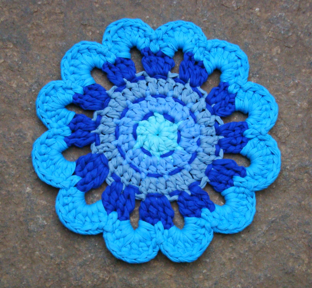 The world 39 s best photos of napperon and ragcrochet - Napperon crochet chemin de table ...