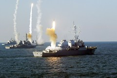 coordinated_volley_of_missiles (DEPOU) Tags: cg sam exercise ships roosevelt missile launch volley carney weapons sullivans warships missilelaunch ddg thesullivans huecity missilecruiser missiledestroyer vandelexcercise vandalex