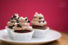 Cupcakes! (Felix Schmidt Photography) Tags: lighting light shadow red food blur color detail texture cakes colors beauty cake composition canon germany table photography eos 50mm muffins cupcakes blurry focus mood pattern photographer shadows dof candy angle bokeh pov chocolate background board details atmosphere plate surface delicious eat tray muffin 18 ping tones tone 60d