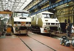 Class 90 90050 & Class 91 91020 - Crewe Works (dwb transport photos) Tags: railway crewe locomotive 90050 91020