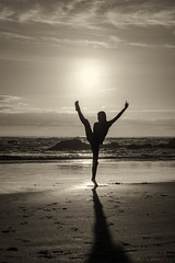 Contre-jour (cristian_jordache) Tags: dance child girl ballet art oregon cannon beach contrejour telephoto sony ilce a6000 pacific ocean sun sunshine