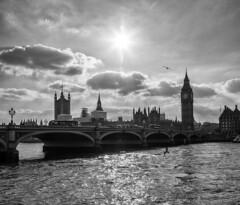 Big Ben im Gegenlicht (andreasbucher) Tags: bigben london sw monochrom housesofparliament