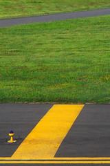 Ready For Take Off? (TablinumCarlson) Tags: indonesien indonesia bali denpasar flughafen airport leica dlux6 minimalis minimalism gelb grn startbahn streifen stripes asia asien ngurah rai international dps