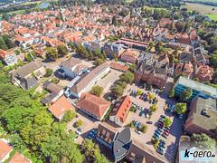 YUN00078 (daniel kuhne) Tags: luftbild luftaufnahme rinteln weserstadt innenstadt parkplatz rathaus museum eulenburg panorama yuneecq5004k dng raw