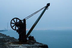 Crane - DSC_0131 (John Hickey - fotosbyjohnh) Tags: 2016 august2016 gcc poolbeg southwall crane dublin ireland riverliffey irishsea coast seascape nikon nikond5100 dublinbay