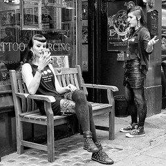 Body Language (canonsnapper) Tags: candid street streetphotography olympusomdem5 tattoo