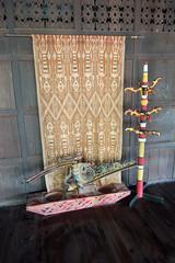 Aboriginal weaving and fetish (quinet) Tags: 2015 aborigène borneo iban malaysia sarawak sarawakculturalvillage ureinwohner weberei aboriginal native tissage weaving kuching