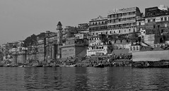INDIEN, india, Varanasi (Benares) frhmorgends  entlang der Ghats , 14430 (roba66) Tags: varanasibenares indien indiennord asien asia india inde northernindia urlaub reisen travel explore voyages visit tourism roba66 city capital stadt cityscape building architektur architecture arquitetura monument bau fassade faade platz places historie history historic historical geschichte kulturdenkmal benares varanasi ganges ganga ghat pilgerstadt pilger hindu hindui menschen people indianlife indianscene brauchtum tradition kultur culture indiansequence hinduismus blackwhite bw sw branco negro blackandwhite blancoenero blancoynegro monochrome byn bretoebranco einfarbig schwarzweis textur texture effecte