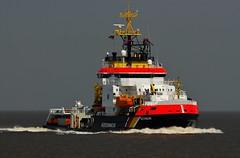 NEUWERK (Bernhard Fuchs) Tags: water boat nikon ship ships vessel elbe schiffe küstenwache cuxhaven seeüberwachung