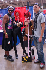Black Widow and Yoko Cosplay - Baltimore Comic-Con 2012 (Stephen Little) Tags: costumes comics costume cosplay day1 comicbook heroes blackwidow cosplayer dayone comiccon con avengers bcc cosplayers costumers costumeplay tamron1750mm gurrenlagann tamronaf1750mmf28 tamron1750mmf28 baltimorecomiccon tamronaf1750mm sonya77 jstephenlittlejr slta77 sonyslta77 sonyslta77v sonyalphaslta77v bcc2012 baltimorecomiccon2012