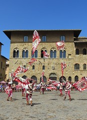 Volterra (Feathering the Nest) Tags: italy holiday hot sunday volterra sunny tony tuscany penny 2012 contrada flagthrowers worththetrip clanflickr wiseman53 countrymagic26 26august2012 volterraad1398mediaevalfestival thunderstormupmountainroads