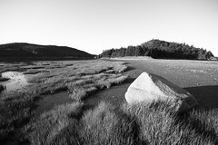 Parc du Bic 28 (gsamie) Tags: sea summer blackandwhite canada nature grass rock canon landscape quebec wideangle saintlaurent rimouski t3i saintlawrenceriver 600d parcdubic gsamie guillaumesamie