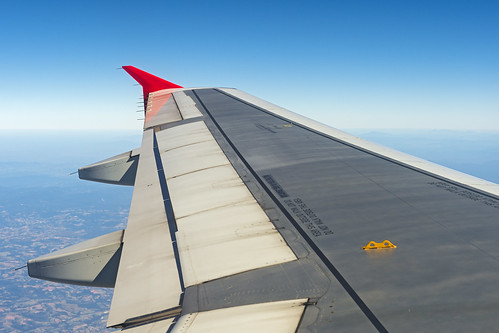 Aircraft wing by Tambako the Jaguar, on Flickr