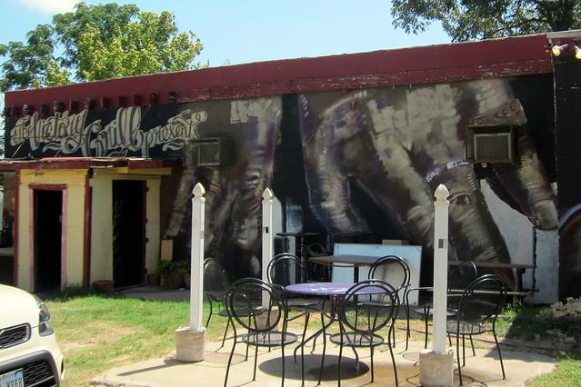 Austin - East Austin: Victory Grill
