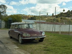 * (frontdrive34) Tags: 1969 120 mamiya rural mediumformat wagon 645 break estate kodak citroen safari f28 captainsflat 160 80mm selfdeveloped c41 iso160 ektacolor id21f