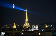Catch the moon (A.G. Photographe) Tags: anto antoxiii xiii ag agphotograhe paris parisien parisian france french franais europe capitale toureiffel eiffeltower lesinvalides notredame cathdrale nuit night moon lune d810 nikon sigma 150600