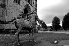 Coniglio a Cavallo (Locar89) Tags: biancoenero viaggio bristol bw black blackandwhite brexit arte art artisti coniglio cavallo horse moderart magia parco